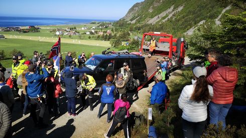 Det har tidvis vært store protestaksjoner ved det planlagte vindkraftanlegget på Haramsøya. Bildet er fra juni i fjor.