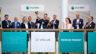 Volue-toppsjef Trond Straume ringte i børsbjella da selskapet ble notert på Merkur Market på Oslo Børs i oktober. I mars søkte de om overføring til hovedlisten.
