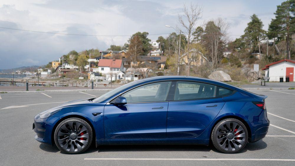 Tesla Model 3 (bildet) og Model Y leveres nå uten radar i USA og Canada.