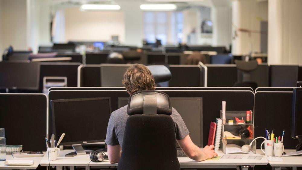 En studie fra WHO og ILO viser at antall personer som jobber lange dager, øker. Det øker igjen faren for hjerneslag og hjertesykdommer, viser den samme studien.
