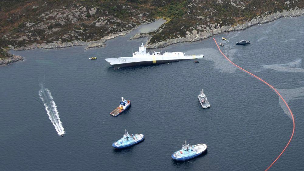 På dagen ett år etter at KNM Helge Ingstad havarerte, saksøkte staten DNV som hadde klasset fregatten.