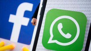 Facebook og flere andre nettgiganter har skrevet under på EUs retningslinjer. Nå vil EU skjerpe reglene og inkludere meldingstjenester som blant annet Facebooks WhatsApp.