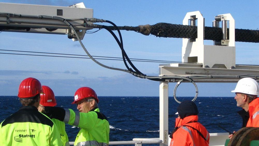 I dag skjedde det formelle åpningen av kabelen mellom Norge og Tyskland, som har vært i ordinær drift siden slutten av mars. Bildet er fra leggingen av kraftkabelen mellom Norge og Nederland, kalt NorNed.