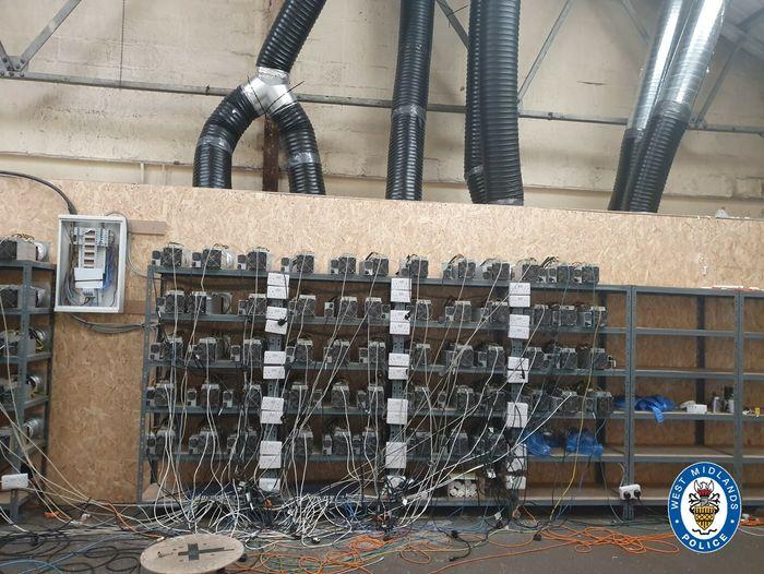 Anlegget i Sandwell, England, hvor kriminelle utvinnet kryptovaluta med stjålet elektrisitet.