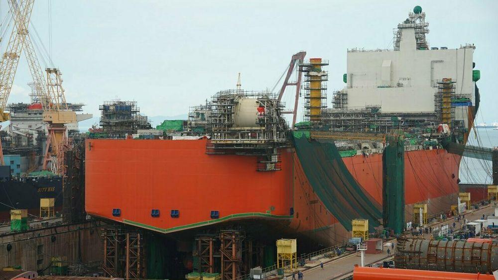 Equinor har fått pålegg, etter at Petroleumstilsynet fant en rekke alvorlige avvik i sin gransking av sveisefeilene i Johan Castberg-prosjektet. Før feltet kan starte opp må de bevise at alle avvik er lukket, at alle feil er reparert og at produksjonsskipet er sikkert.