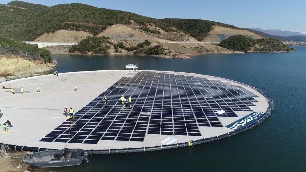 Statkraft driver både vannkraftverk og et prosjekt for flytende solenergi i Albania. Siden Albania har en høy andel fornybar energi, advarer Statkraft mot en sjablongmessig beregning av CO2-utslipp når karbontollen skal beregnes.