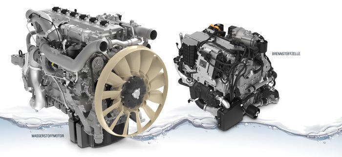 Til venstre i bildet en forbrenningsmotor, bygget om fra dieseldrift til hydrogen som brennstoff. Til høyre i bildet en brenselcelle. Begge fra tyske MAN, som velger å bruke forbrenningsmotor i en overgangsfase mens de videreutvikler og forfiner brenselcellen.