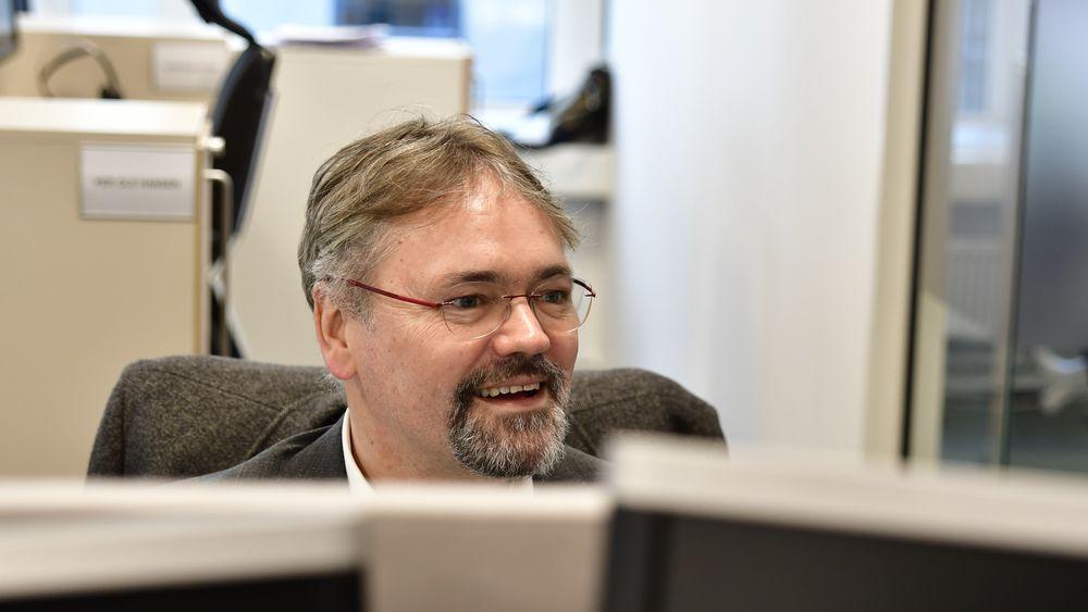 Knut Aarbakke, forhandlingssjef i Nito, ser at det lønner seg å ta en lønnssamtale.