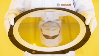 Bosch åpner ny halvlederfabrikk – tror brikkekrisen går over neste år