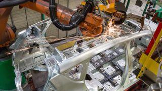 Fra elbilproduksjon i Renaults fabrikk i Douai.