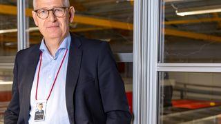 Konsernsjef Karl Johan Lier i Autostore trenger mer enn 100 nye ingeniører for å utvikle enda mer effektive roboter. 10 prosent av omsetningen går til forskning og utvikling. F