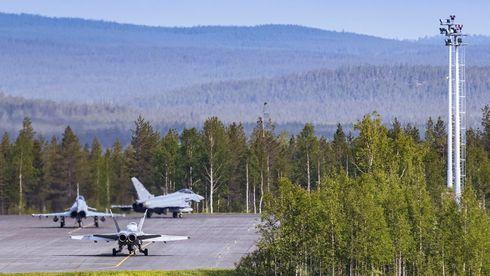 Store jagerfly-formasjoner i norskledet øvelse provoserer Russland