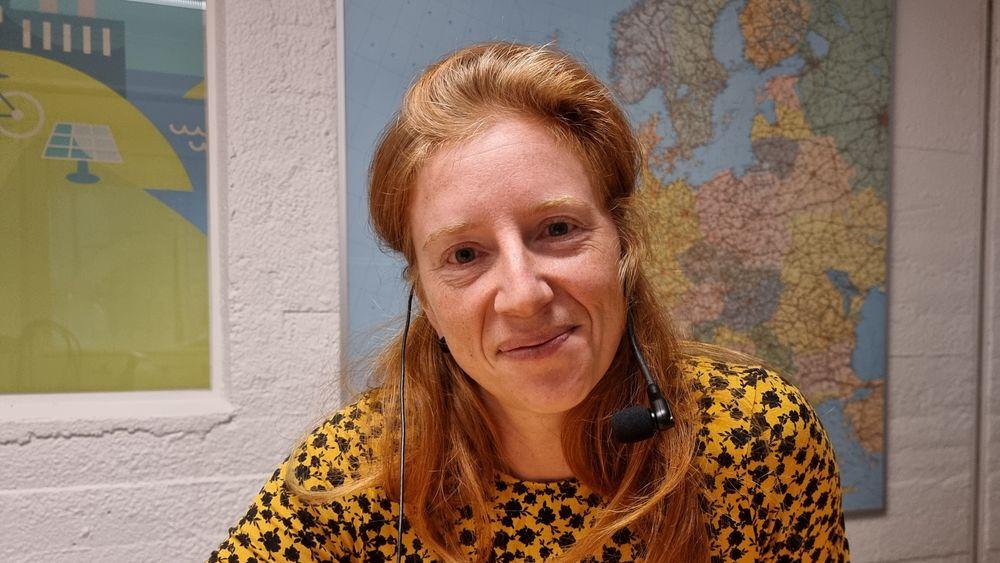 Ida Fuchs forsker på solenergi samtidig som hun leder NTNUs tverrfagelige satsing på feltet, Team Sol.
