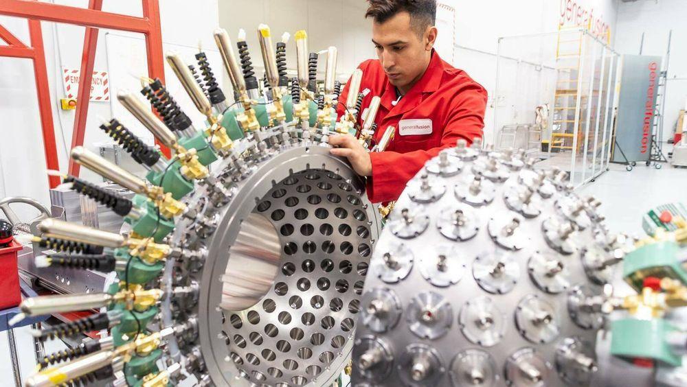 General Fusion skal bygge et pilotanlegg for fusjonsenergi i Oxfordshire i England. Der finnes allerede et stort forskningsmiljø for fusjonsenergi, blant annet ved UBC. En student jobber her med et væske-kompresjons-eksperiment.