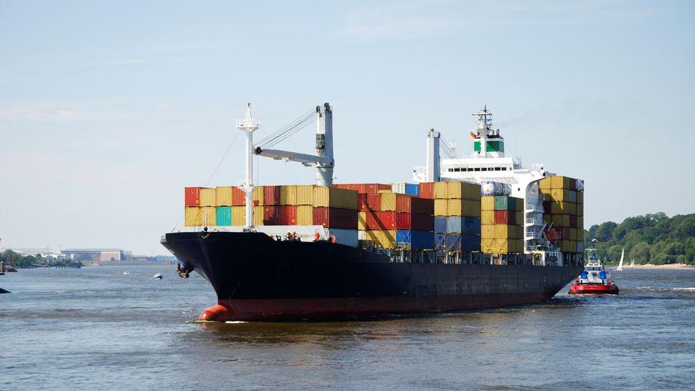 Det grønne skiftet for de tyngste skipene kan gå raskt om vi tenker litt utradisjonelt, mener SINTEF. Nå gjøres forsøk med ammoniakk som drivstoff. Løsningen kan gi null i klimagassutslipp.