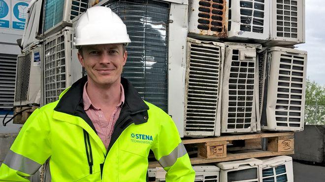 – Stena Recycling Group er blant Europas største gjenvinnere av elektrisk avfall. Vi har to industrielle anlegg for destruksjon av kuldemøbler i Tyskland, et i Italia og et i Sverige. Sverige tar i mot EE-avfall fra Norge, Sverige og Danmark, sier Marcus Martinsson.
