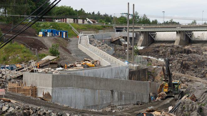 Rygenefossen, Grimstad, laksetrapp under bygging av Agder energi