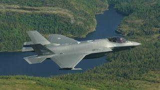 SRF: Sveits kjøper F-35 etter en overlegen seier, teknologisk og økonomisk