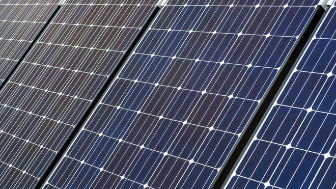 Silisium brukes blant annet i solcellepaneler.