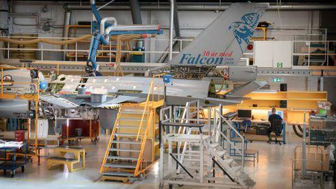Inne på Forsvarets bruktbutikk for jagerfly: – Bedre F-16 finner du ikke