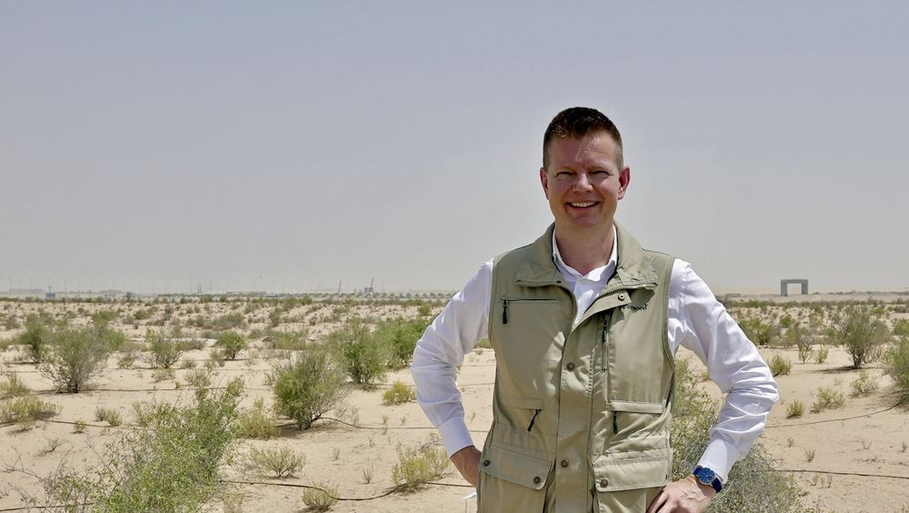 Administrerende direktør Ole Kristian Sivertsen på feltstudie i Abu Dabi