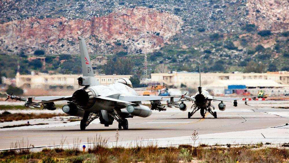 674 før avgang fra Souda på Kreta i forbindelse med Operation Odyssey Dawn i 2011.
