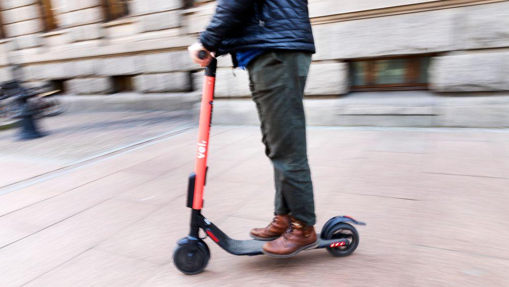 Selskapet hadde åtte personer ute i Oslos gater mellom klokken 22 og 1 natt til søndag. De stoppet fulle folk på elsparkesykler, testet promillen og informerte om lovverket.