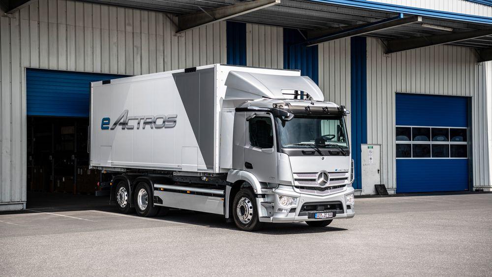 Mercedes setter sin eActros i produksjon.