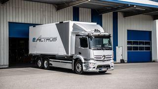 Mercedes lanserer el-lastebil med 400 kilometer rekkevidde