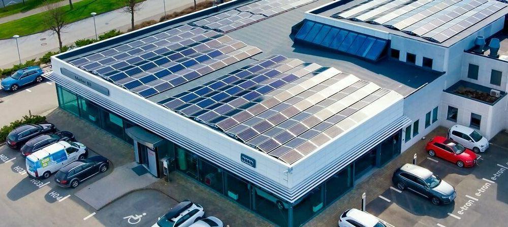 Med solceller på taker og en mer og mer elektrisk bilpark, er batteri et naturlig neste steg for Møller Eiendom. Bildet er fra Forus i Stavanger.