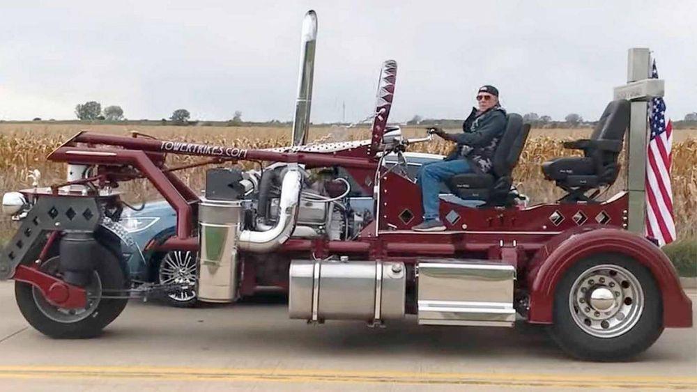 Jim Gesto har bygd den nesten fem tonn tunge motorsykkelen, Tower Trike.