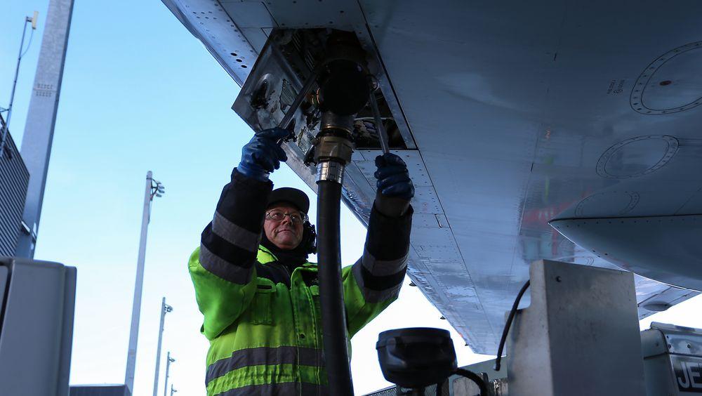 Flydrivstoff er et av få fossile produkter som ikke er ilagt avgifter i dag. Dette vil EU-kommisjonen endre på for å fremme nye typer drivstoff basert på hydrogen eller biologiske energikilder.
