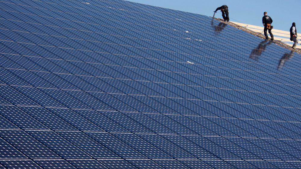 India planlegger å bygge ut ny energi på størrelse med hele dagens forbruk i EU i løpet av de neste 20 årene, forteller administrerende direktør Tellef Thorleifsson i Norfund. Norfund skal investere 100 millioner dollar, snaut 875 millioner kroner, i selskapet Fourth Partner Energy.