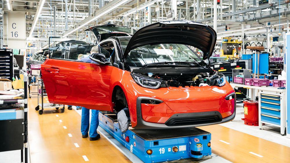 BMW i3 på produksjonslinjen i Tyskland.