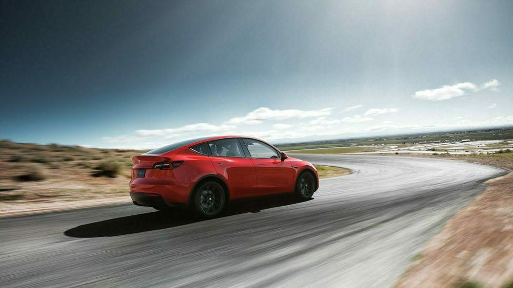 Kinesisk-produserte Tesla Model Y kommer til Norge allerede i august.