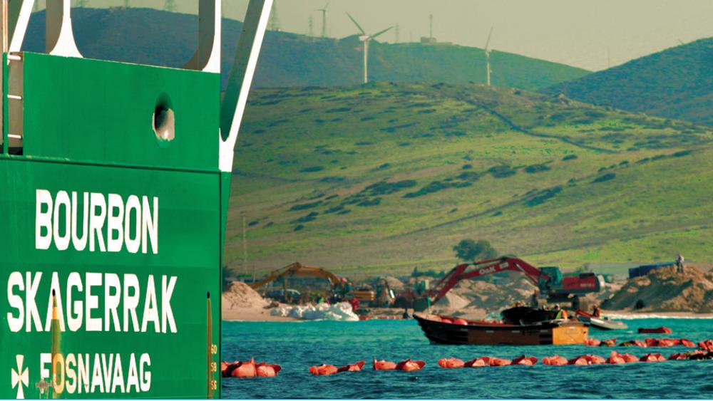 Det norske skipet Bourbon Skagerrak deltok i kabelleggingen i Gibraltarstredet mellom Spania og Marokko. Marokko har fortsatt en strømmiks basert i stor grad på kull, olje og gass.