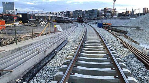 Friksjonssvillene som nå er lagt på Follobanen ved innkjøringen til Oslo S.