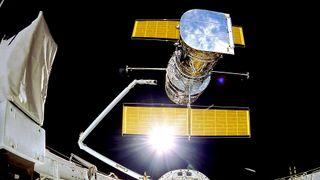 NASA har begynt reparasjonen av Hubble