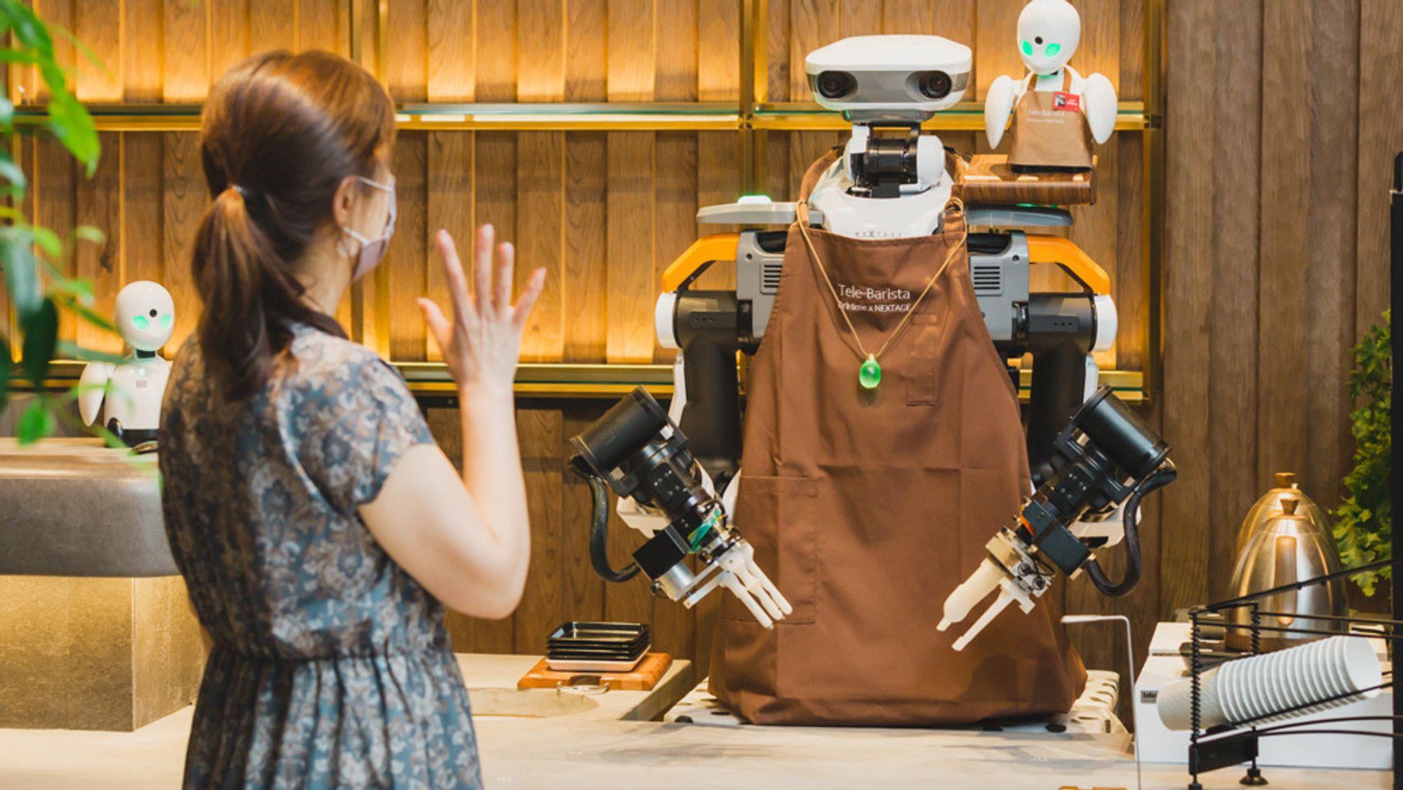 Robotbaristaen er fjernstyrt av en ALS-pasient som tidligere jobbet som barista.