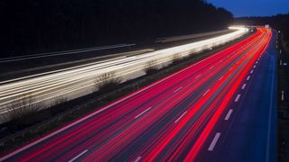 The Indiana Department of Transportation samarbeider med Purdue University og tyske Magment for å etablere trådløs lading langs motorvei.