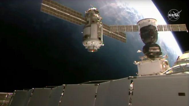 Den 22 tonn tunge Nauka-modulen da den ankom romstasjonen.