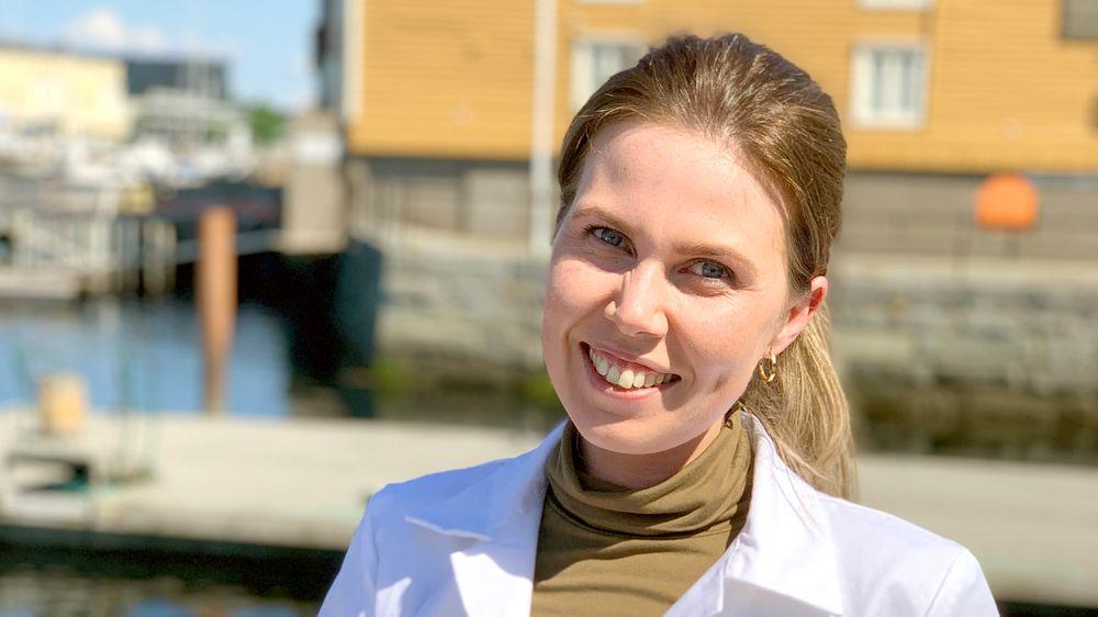 Daglig leder: Tina Olaussen (28) fra Stavern tok siv.ing-grad i kjemi ved NTNU i 2017. Snart fire år senere er hun daglig leder for det nystartede selskapet Nutrishell med base i Trondheim.