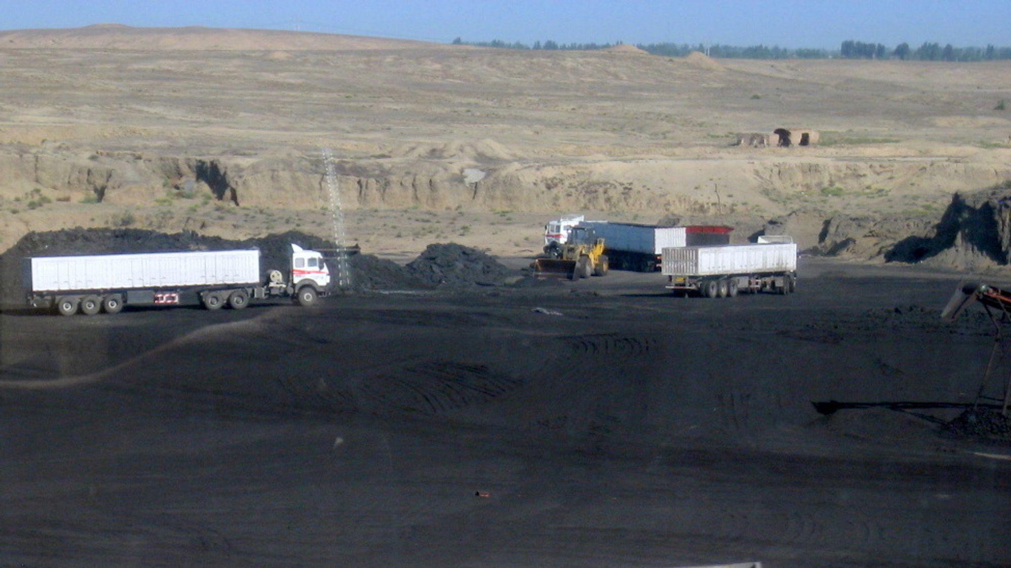 Den kinesiske presidenten har lovet at landet skal bygge ned kullkraften. Men nå gjenåpnes mange kullgruver på grunn av kraftmangel.