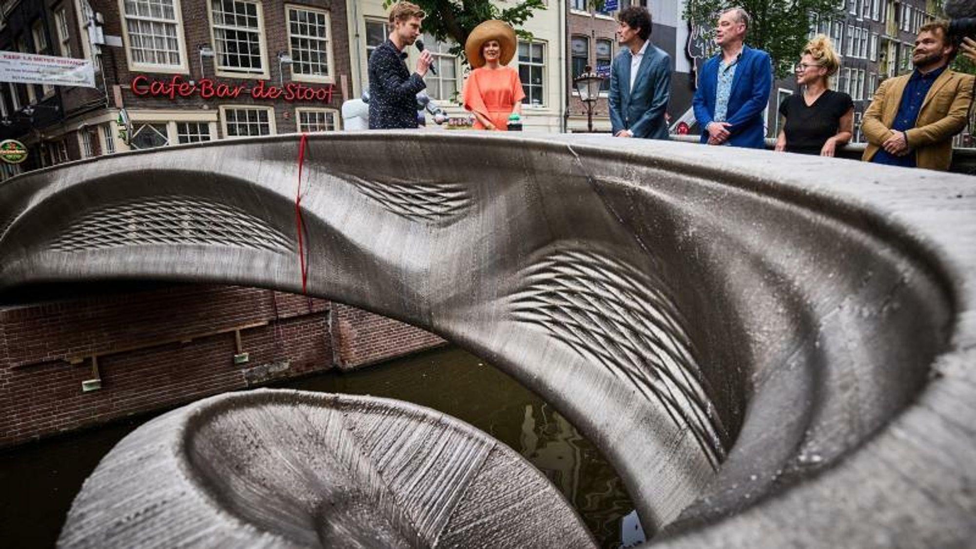 Etter seks år og mye nybrottsarbeid er verdens første 3D-printede stålbro endelig åpnet.