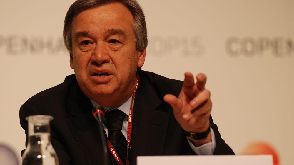 FNs generalsekretær António Guterres ber verdens land slutte å lete etter mer kull, olje og gass.