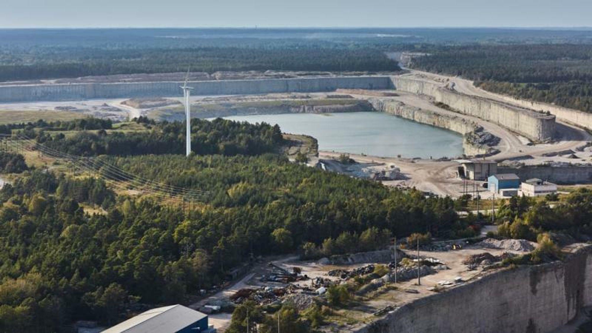 Ifølge den øverste svenske miljødomstolen har sementprodusenten Cementa undervurdert miljøkonsekvensene av fortsatt kalkutvinning i selskapets steinbrudd på Gotland. Derfor fikk ikke selskapet fornyet tillatelsen.