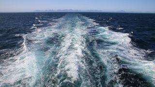 Det krever mye energi å dytte et skip gjennom vann. IMOs mål er å kutte klimagassutslipp med 40 prosent før 2030. To nye indekser er lansert som verktøy for å nå målene.