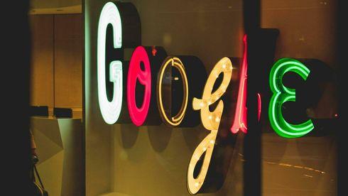Google-logoen på veggen i kontorlokale