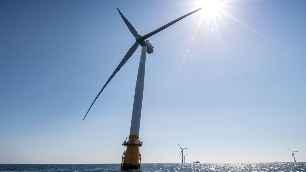 I forbindelse med Arendalsuka lanserte en råvareanalytiker ideen om at Norge bør investere 100 milliarder kroner i året fram til 2030, for å få stort nok volum på vindkraft.