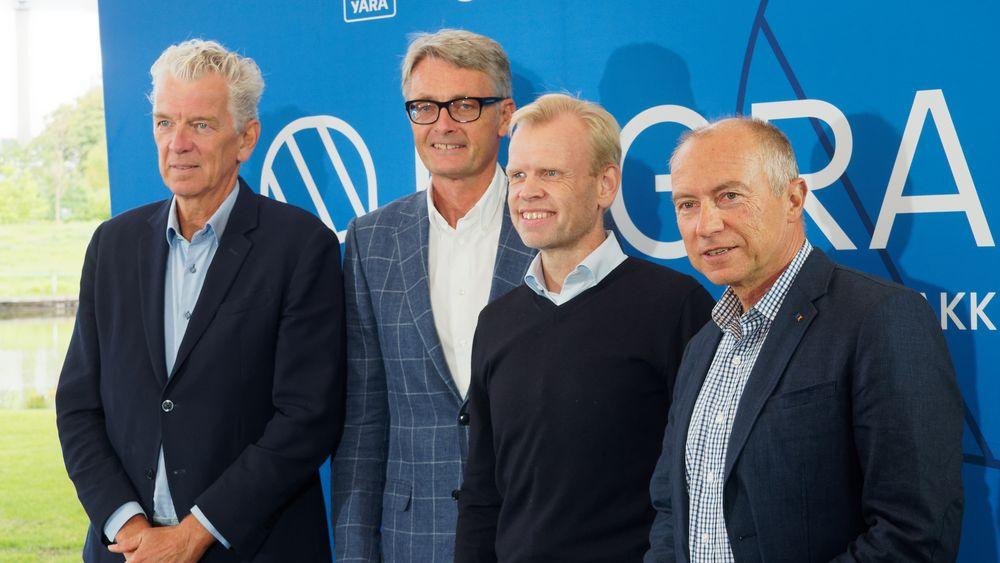 Fra venstre: Auke Lont, styreleder i Hegra og tidligere sjef for Statnett,  Øyvind Eriksen, konsernsjef i Aker, Svein Tore Holsether, konsernsjef i Yara og Christian Rynning Tønnessen, konsernsjef i Statkraft under lanseringenen av Hegra.